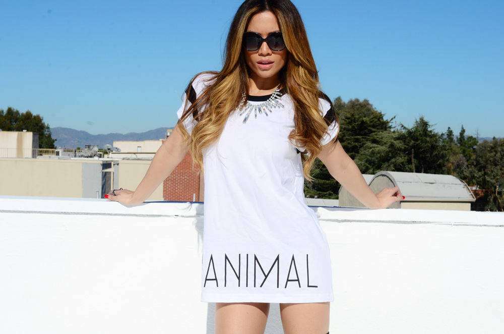 JessiMalay - L'Animal - whitetee - teeshirt - streetwear - street - streetlook - streetstyle - TiffanyandCo - sunnies - Tiffanyandcosunglasses - diamondnecklace - aliceandoliviaboots - A+O - weekendT