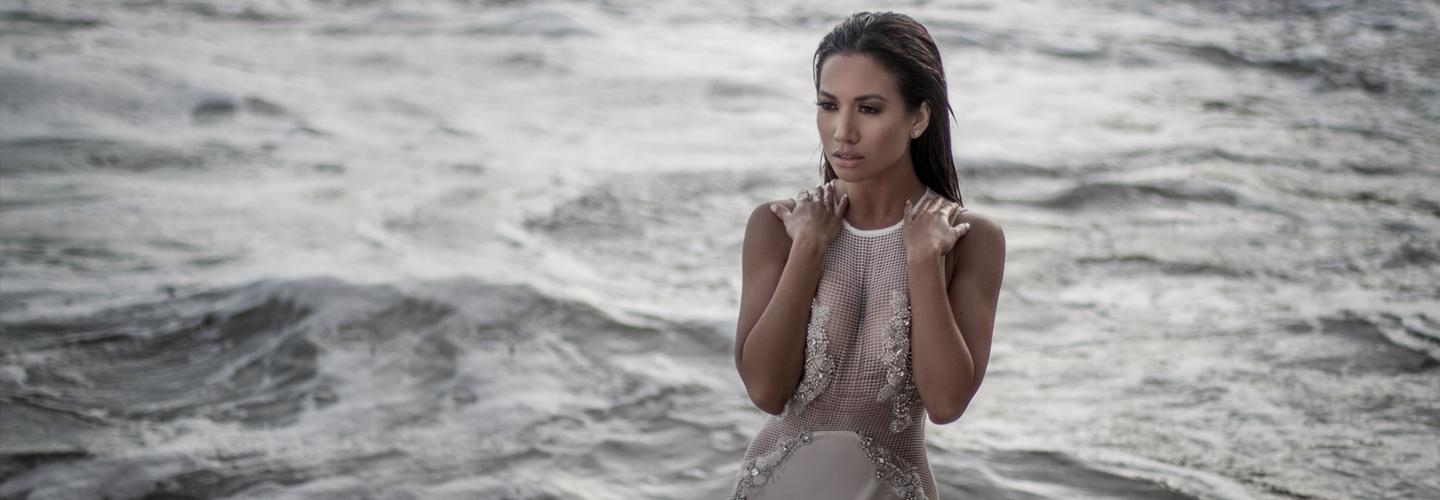 Jessi-Malay-mywhitet-el-matador-state-beach-photoshoot-lurelly-dress-gown-2