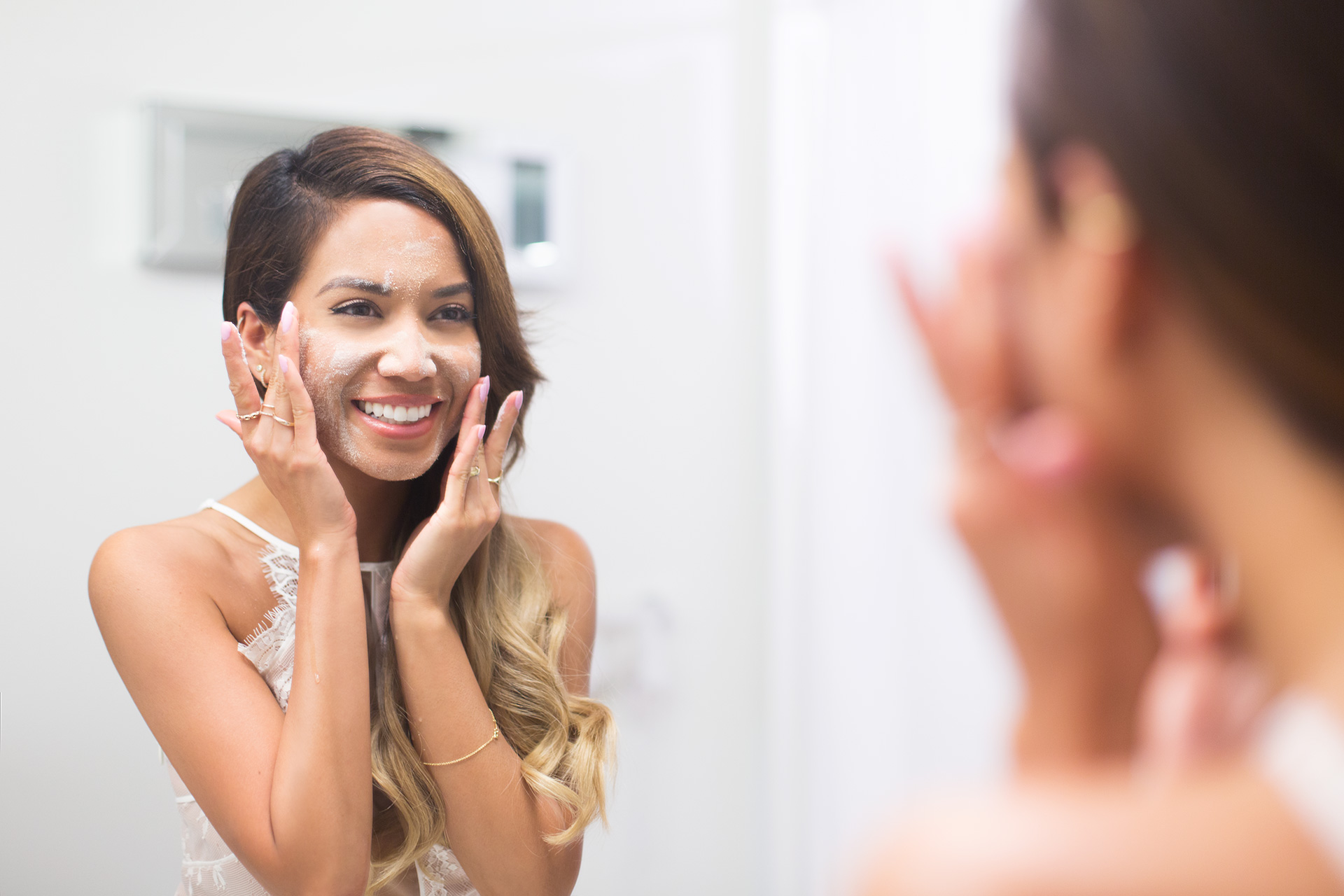 Jessi Malay using BIORE Baking Soda Cleansing Scrub and Pore Cleanser