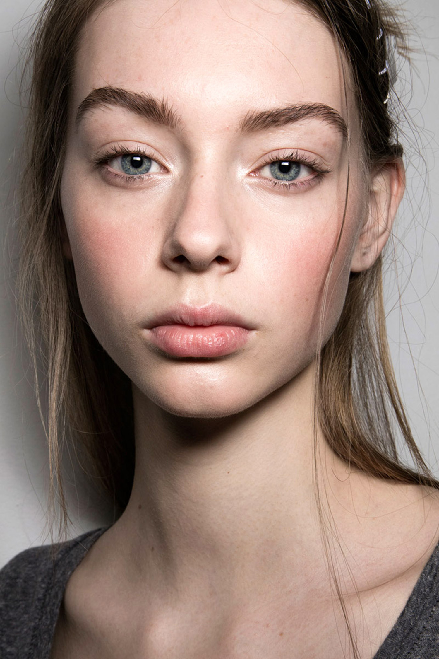 Rosy Pink Cheeks Make-Up Trend