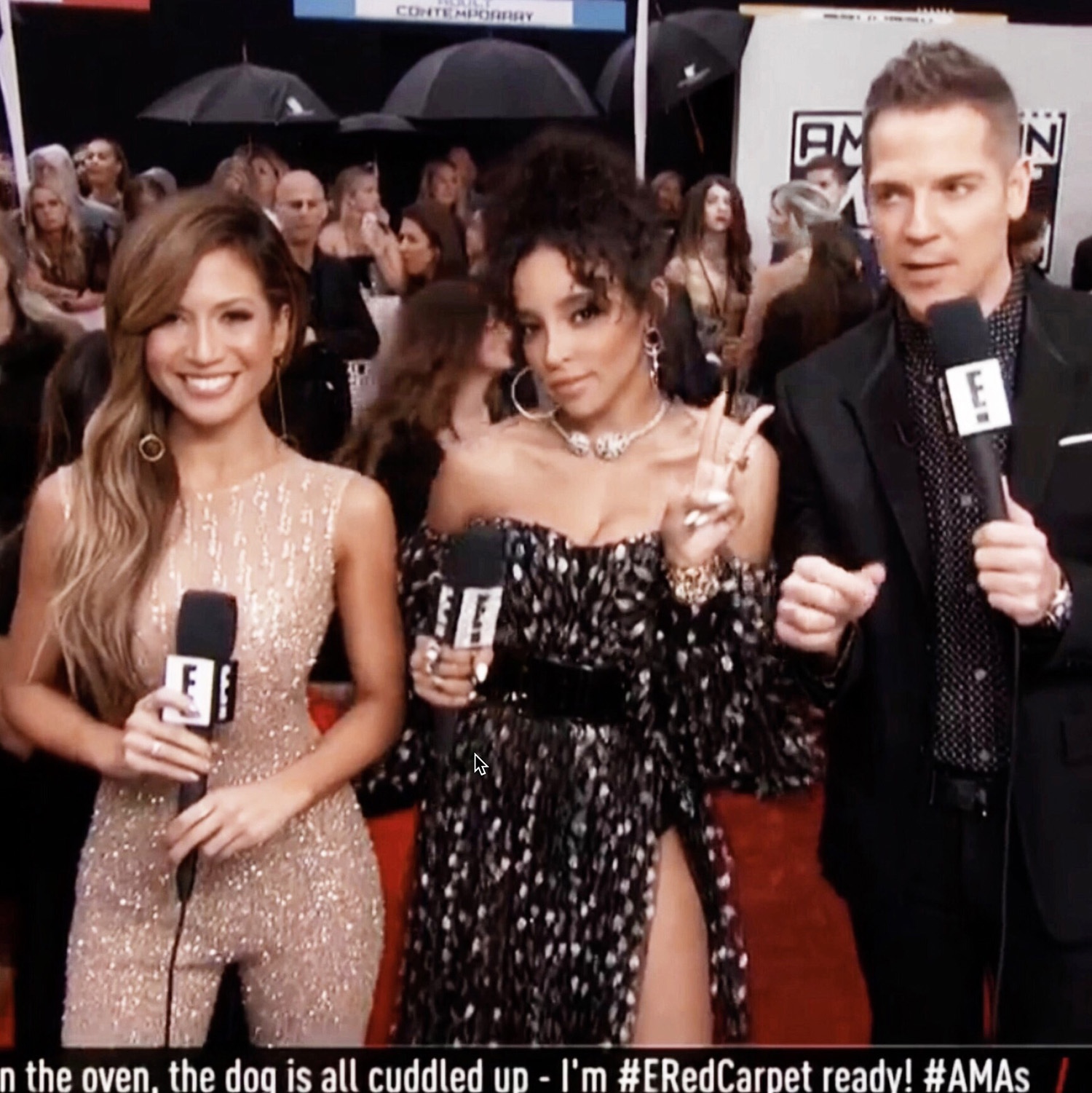 Jessi Malay E! red carpet AMAs 2016