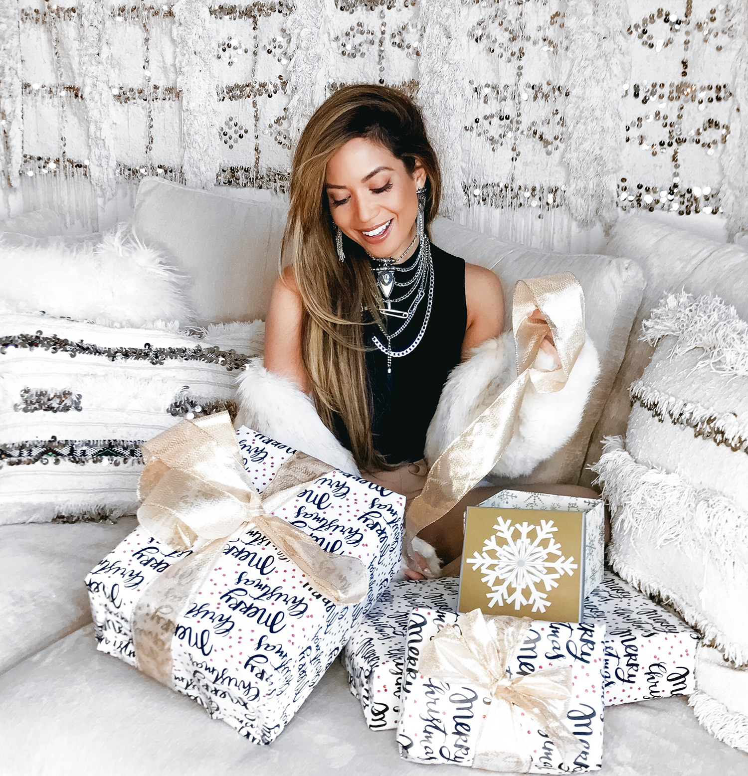 Jessi Malay Holiday Giveaway