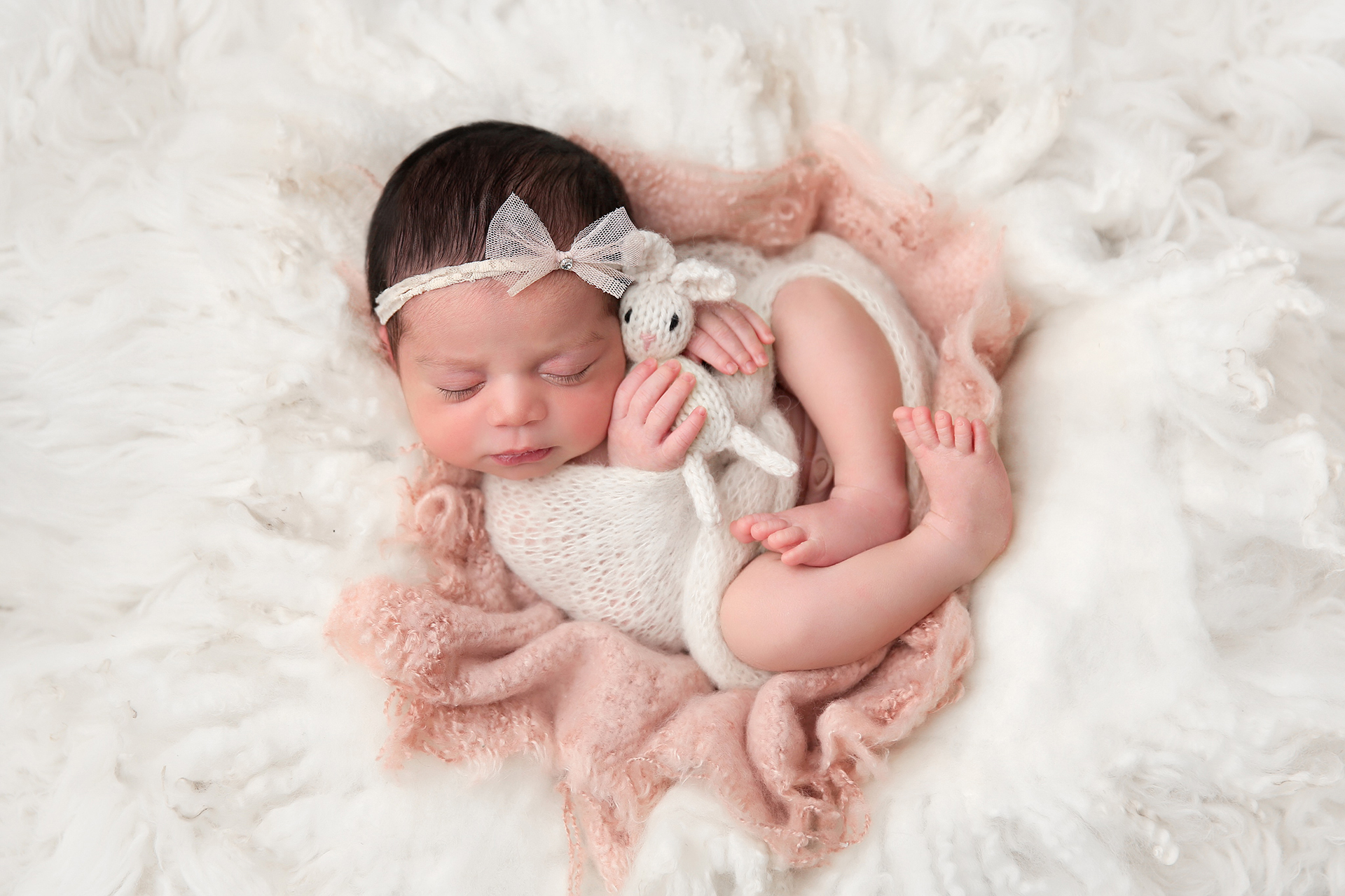 creative newborn photo ideas