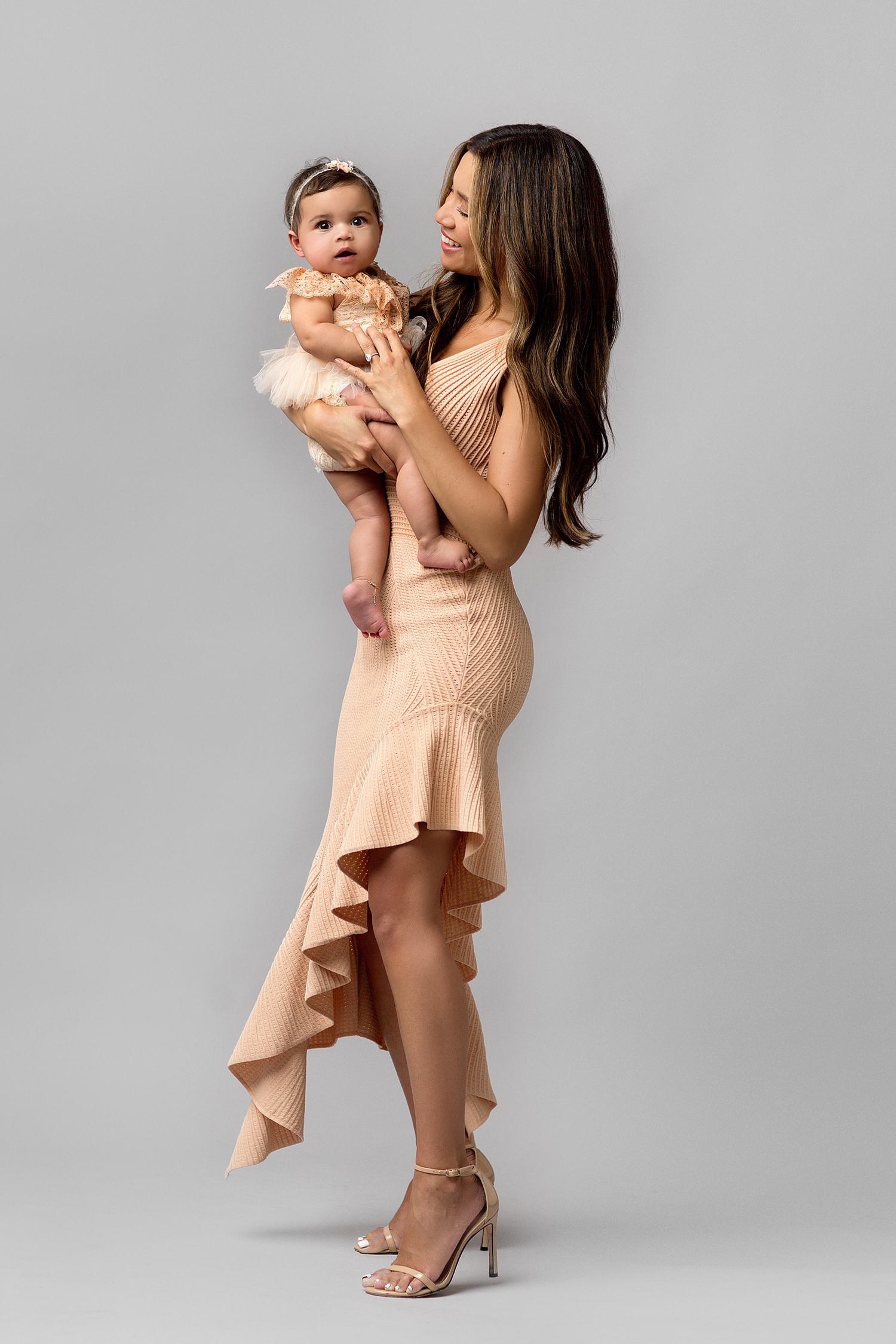 6 month baby and mama photoshoot outfits