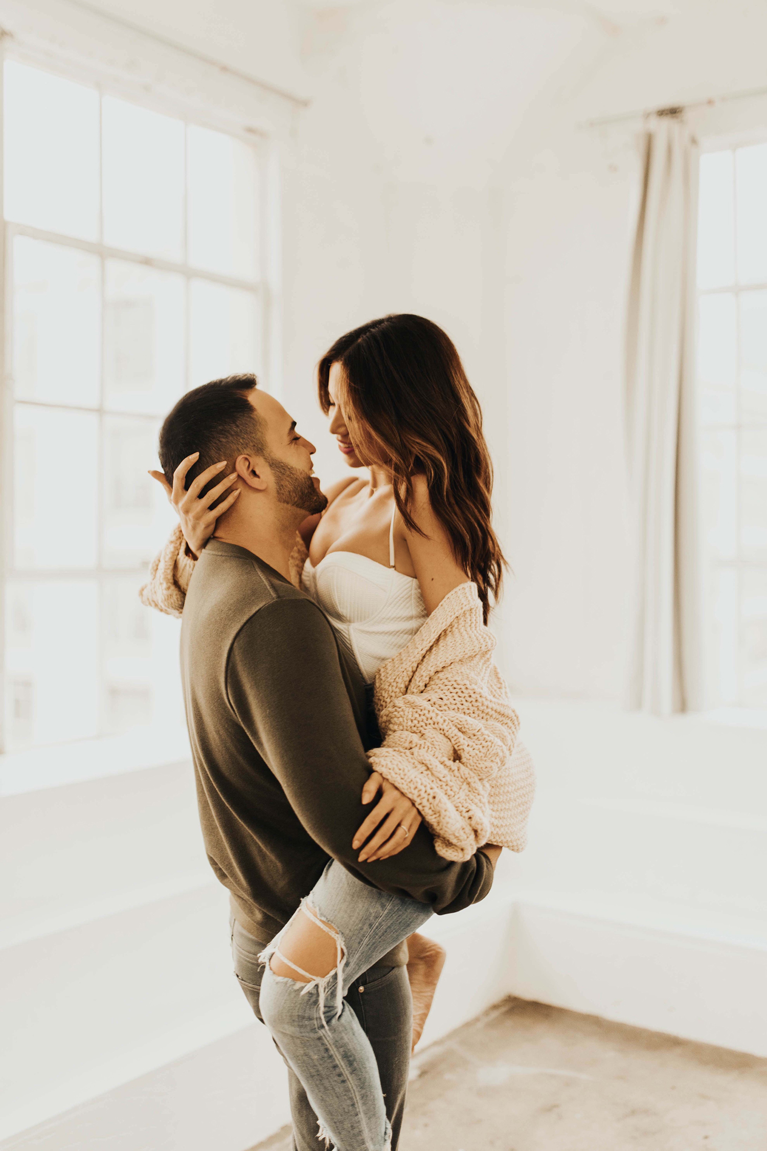 couple photoshoot studio ideas