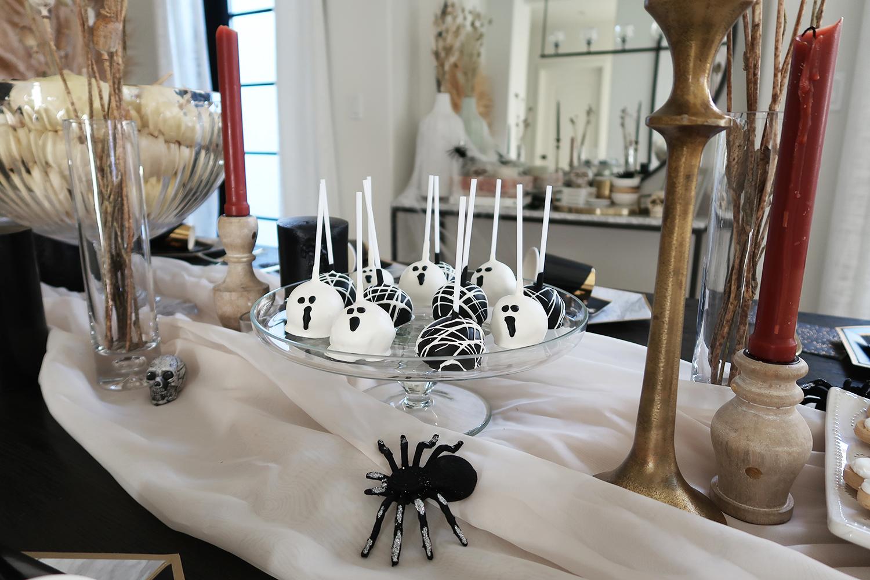 halloween style cake pops inspo
